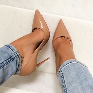 Shoes - Tan pointed toe heels
